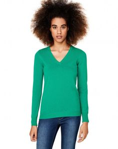 Shop Merino wool sweater Green for V-Neck at the official United Colors of Benetton online shop.