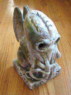 "Excellent C'thulhu sculpt very reminiscent of the ""Alert"" sculpt from HPLHS's ""Call of C'thulhu"" movie.    from iamdeirdre via deviantart"