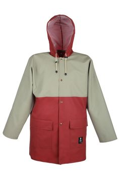 WATERPROOF JACKET 3/4 DUAL COLOR Model: 181 The model fastened with snaps with a hood and 2 welded pockets with protective flaps. The jacket is made of PVC/polyester fabric, called Plavitex. Thanks to double welded high frequency seams the product protects against rain and wind. The jacket conforms to EN ISO 13688 and EN 343 standards.