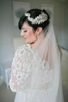 Viktoria Novak headpiece