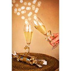 フリー写真, 年中行事, 1月, ハッピーニューイヤー, 飲み物(飲料), お酒, シャンパン, シャンパングラス, 乾杯, 玉ボケ