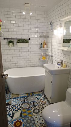 Love the tiles! Coastal Bathrooms, Small Bathroom, Aesthetic Rooms, Home Reno, House Rooms, Cozy House, Home Remodeling, Architecture, Decoration