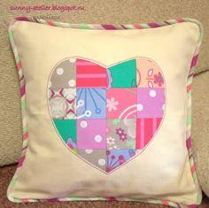 МК: подушка с сердцем и кантом. Tutorial - Envelope Heart Pillowcase with Piping.