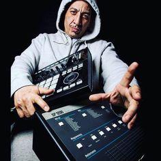 Kid Capri & His / Maschine Picture Taken By mrwattson Kid Capri, Hip Hop Producers, Rap Music, Documentary, Hiphop, Beats, Interview, Studio, School