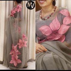 Floral Print Sarees, Saree Floral, Printed Sarees, Floral Prints, Saree Painting Designs, Fabric Paint Designs, Fabric Design, Fabric Painting On Clothes, Dress Painting