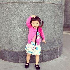 *  good afternoon(๑′ᴗ‵๑)☀in Japan, and good morning, good evening, good night for world friends!  *  最近おかしなポーズをするちびっこʕ •́؈•̀ ₎w  *  昨日は珍しく、長靴じゃなく普通のお靴  *  さてさて今日もいいお天気!  *  みんなでお出掛けしてきまーす(๑′ᴗ‵๑)  みんなも素敵なこどもの日にしてね!  *  #親バカ部 #children #kids #ぱっつん  2013.05.05 - @kinax- #webstagram