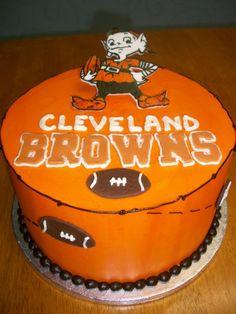 #ClevelandBrowns #ClevelandBrownsCake #Aspoonfullasugar - nice job with Brownie the Elf on this cake!
