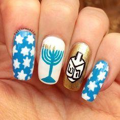 45 Stunning Holiday Nail Art Designs - EcstasyCoffee