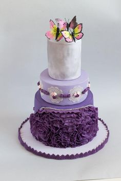 Butterfly cake - Cake by Dorsita Butterfly Cakes, Butterflies, Purple Cakes, Engagement Cakes, Beautiful Cakes, Cake Decorating, Decorated Cakes, Facebook, Desserts