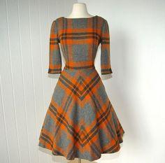 Fabulous vintage plaid or tartan wool dress Pretty Outfits, Pretty Dresses, Beautiful Outfits, Classy Outfits, Vintage 1950s Dresses, Vintage Outfits, Vintage Clothing, 1950s Fashion, Vintage Fashion