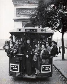 Bus Paris 1957 • Gordon Parks
