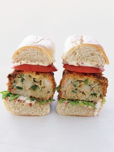 Bring New Orleans flavor to the dinner table with these mouthwatering Crispy Shrimp Po' Boy Burgers. Andouille sausage imparts spice and smoke to these delicious fried patties. Best Burger Recipe Ever, Burger Recipes, Seafood Recipes, Cooking Recipes, Shrimp Po Boy, Shrimp Burger, Delicious Burgers, Wrap Sandwiches, Food Processor Recipes