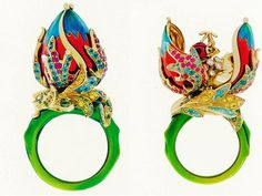 Colorful bud ring with cute secret -Diorette y Miss Carnivora. A tad too gaude for my taste, but I love the secret part!