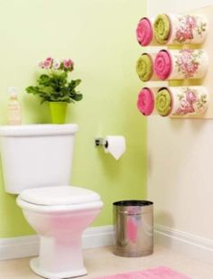 Bathroom organizing ideas - Towel storage made of decoupaged tin cans. - This is an ideal bathroom accessory that has an amazing look to it. You can do this by taking tin cans into for a towel storage unit. Coffee Can Crafts, Tin Can Crafts, Diy Crafts, Towel Organization, Towel Storage, Organization Ideas, Towel Shelf, Organizing Hacks, Storage Hacks