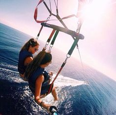 Parasailing with bff Bff Pics, Summer Goals, Summer Of Love, Summer With Friends, Summer Fun, Best Friend Goals, Best Friends, Friends Image, Summer Vibes