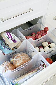 Top 10 well organized Kitchen drawer. #KitchenOrganization  #PantryOrganization #FreePrintables #FreeLabels #Declutter #Organize  #OrganizingIdeas #Storage