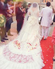 結婚式当日に後悔しない為の写真指示書の作り方 | marry[マリー] Wedding Napkin Folding, Wedding Napkins, Bohemian Beach, Wedding Flowers, Wedding Dresses, Party Photos, Bridal Lace, Wedding Images, Wedding Decorations