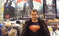 For anyone who has questioned whether Clark Kent's disguise that a simple pair of glasses would hide from his loved ones that he's Superman, Henry Cavill's latest Instagram post has a message for you. Cavill posted a video to his Instagram of the Batman v Superman: Dawn of Justicestar out in public in one of New York City's most trafficked areas, Times Square. Cavill spent some time in the area, which is fully decked out in massive Batman v Supermanposters, and the current man behind…