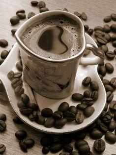 Coffe or Hot Chocolate Sweet Coffee, I Love Coffee, Black Coffee, My Coffee, Coffee Drinks, Coffee Shop, Coffee Cups, Coffee Heart, Coffee Today