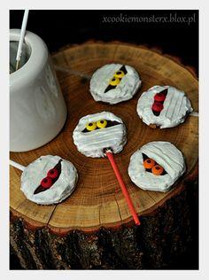 Ciasteczkowe Mumie na Halloween  #halloween #mumia #mummies #cakepops #fun #sweet #candy #chocolate #czekolada #cukierki #zabawa #słodkie