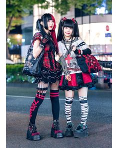 Serving up double trouble on the street were Remon and Yukachin, whose coordinating gothic fashion caught our eye in Harajuku. On the left is Remon in a black-and-red goth inspired ensemble. Tokyo Street Fashion, Tokyo Street Style, Japan Fashion, Punk Fashion, Gothic Fashion, Fashion News, London Street, Alternative Outfits, Alternative Fashion