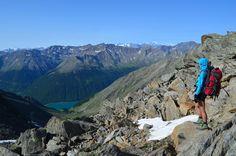 Du möchtest zu Fuß über die Alpen? Hier findest du alle Details zur Alpenüberquerung E5 von Oberstdorf nach Meran inkl. Tipps zur Vorbereitung und Route.