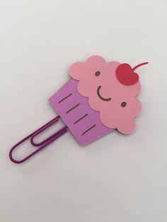 Cupcake Crafts, Paper Cupcake, Diy For Kids, Crafts For Kids, Easy Crafts, Craft Stick Crafts, Paper Crafts, Paperclip Crafts, Paper Clip Art