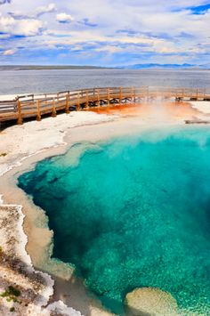 Everything you need to know about visiting geysers and hot springs in Yellowstone National Park. From the science of geysers to photography tips, everything you need to know for exploring the geysers of Yellowstone Yellowstone Vacation, Yellowstone National Park, National Parks, Nature Photography, Travel Photography, Photography Tips, Places To Travel, Places To See, Adventure Time Tattoo