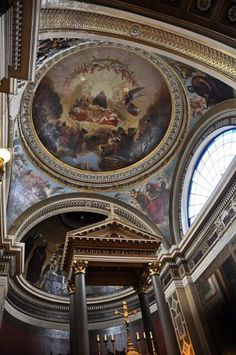 l'église Notre-Dame-de-Lorette,  l'église de Paris la plus décorée à l'intérieur. Paris 9e