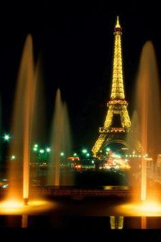 A Romantic Evening in Paris - Eiffel Tower   #famfinder