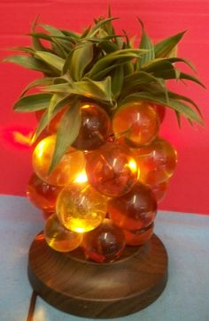 Vintage Mid Century Pineapple Lamp Gold Amber Lucite Grapes Balls Plastic Leaves