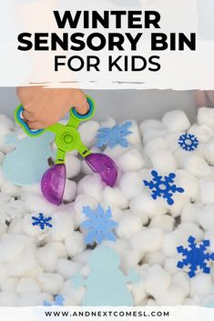 This winter sensory bin is easy to set up and is the perfect sensory play activity for infants, toddlers, preschoolers, and kindergarten kids to work on fine motor skills. No real snow required and you'll love how easy it is to set up. Toddlers And Preschoolers, Christmas Activities For Toddlers, Sensory Activities Toddlers, Snow Activities, Autism Activities, Winter Crafts For Kids, Infant Activities, Toddler Winter Activities, Winter Preschool Crafts