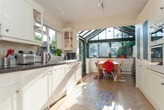 Kitchen 20. Finlay Brewer sell and rent of some of West London's finest properties www.finlaybrewer.co.uk