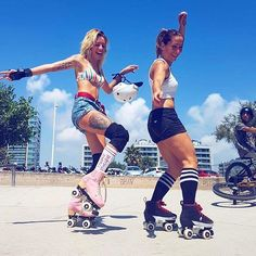 Friends and roller skates = ❤️ LOVE this picture of and spending some quality time together in Spain this week. Barbie wears our Bubble Gum skate from our Lifestyle range and Crissy is in Sport, Skater Girl Style, Roller Derby Girls, Quad Skates, Roller Disco, Skate Girl, Inline Skating, Freestyle, Burton Snowboards