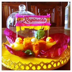 "This is a steamed carrot ""cake"" with a single egg yolk and fresh radicchio salad.Very simple and perfect for a duck. #reginaldosummerparty #duck  #petparty #petfood #petluxuryfood  Questa ricetta ha pochi, semplici ingredienti: carote bollite, un tuorlo d'uovo sodo e due foglie di radicchio"