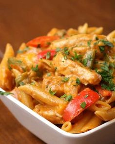 One Pot Chicken Fajita Pasta Recipe by Tasty Fajita Pasta Recipe, Pasta Recipes, Chicken Recipes, Dinner Recipes, Cooking Recipes, Cooking 101, Chicken Meals, One Pot Chicken, One Pot Pasta