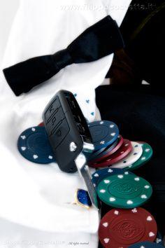 Elegante e discreta questa nuova microcamera offre prestazioni di alto livello con un ingombro minimo e una forma originalissima in quanto occultata in una chiave auto!!! Può registrare video corredati di audio con incredibile qualità, scattare fotografie con risoluzione davvero molto alta, un vero gioiello!