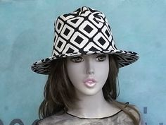 decodolphin.net Bucket Hat, Tokyo Japan, Hats, Collection, Birthday, Fashion, Moda, Tokyo, Birthdays