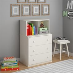The Cosco Skyler Kids' 3 Drawer Dresser with Cubbies is just what your child needs to keep his or her room tidy while utilizing a compact,space saving design. Use the 3 drawers for storing folded clothes, linens or toys. The 2 open cubbies provide extra functional storage and are perfectly designed to fit fabric storage bins (sold separately). These cubbies are great for showcasing books or your child's favorite toy. The crisp White finish makes this 3 Drawer Dresser compatible with any…