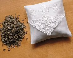 Lavender+Pillow+Lavender+Sachet+Natural+by+MadAboutHankies+on+Etsy,+£6.25
