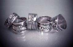 Silver Organic Rings with PMC with Donna Lewis Level: All Levels Technique: Assembly, Basics, Dremel, Finishing, Metal Clay, Metalsmithing, Mixed Materials, Patina, Weaving