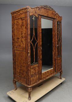 Bilder för 354768. KLÄDSKÅP, 1920-tal. – Auctionet Decor, New Homes, Home Decor, Furniture