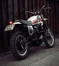 To say the Yamaha is a legendary bike would be an understatement. More than 40 years later, it is still one of the best thumpers in motorcycle history. Yamaha Motorcycles, Custom Motorcycles, Custom Bikes, Cars And Motorcycles, Off Road Bikes, Dirt Bikes, Bultaco Mercurio, Motocross, Ducati