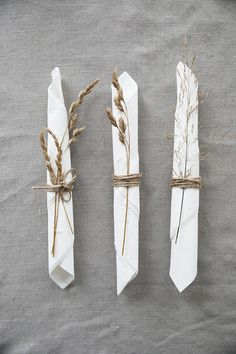 Planning and Designing Wedding Decorations For an Outdoor Wedding - Vera's Wedding Help Boho Wedding, Rustic Wedding, Dream Wedding, Wedding Napkins, Wedding Table, Diy Wedding Decorations, Table Decorations, Dinner Table, Wedding Designs