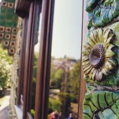 Guess the place Gaudi, Instagram, Places, Quotation Marks, Sunflowers, Antoni Gaudi, Lugares