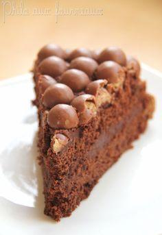J'ai attendu le début de l'automne pour vous proposer ce beau gâteau réalisé en Mai dernier à l'occasion des 11 ans de mon fils. Je ...