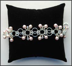 Sweet Peach Bracelet | JewelryLessons.com