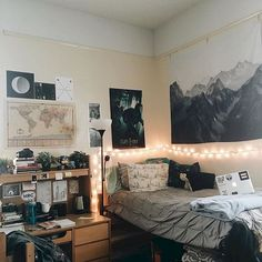 Awesome 55 Cool Dorm Room Decorating Ideas https://homstuff.com/2017/10/14/55-cool-dorm-room-decorating-ideas/