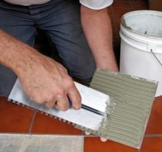 How to Install Ceramic Tile Floors click the image or link for more info. Ceramic Floor Tiles, Wall Tiles, Tile Floor, Easy Tile, Extreme Makeover Home Edition, Tile Edge, Kitchen Upgrades, Tile Installation, Floor Patterns