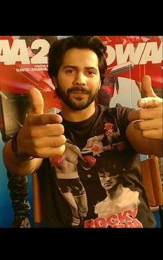 28.11.17 Alia And Varun, Varun Dhawan, Indian Movies, Bollywood Actors, My Crush, Red Carpet, Pie, Handsome, Lovers